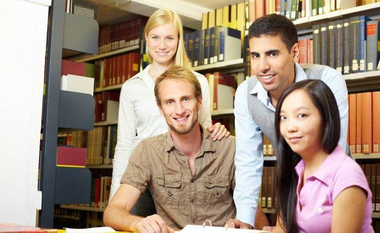 Bewerbung Als Fachangestellter Für Medien Und Informationsdienste