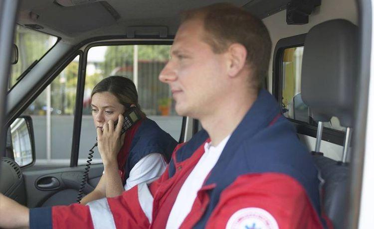 was verdient ein rettungssanitäter