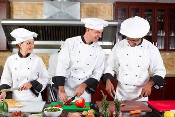 Koch k chin ausbildung in deiner stadt infos und freie for Koch gehalt ausbildung
