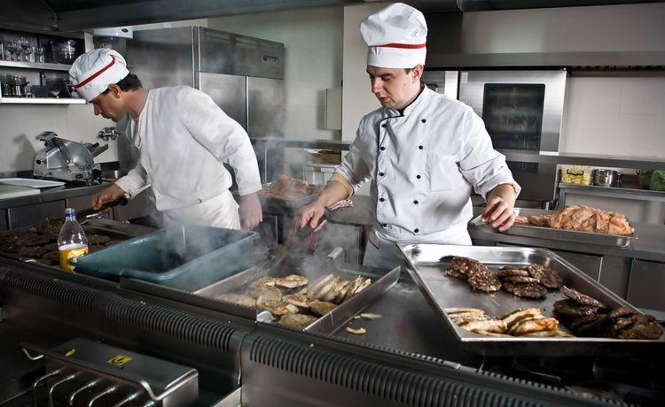 Koch k chin ausbildung in deiner stadt infos und freie for Arbeit als koch